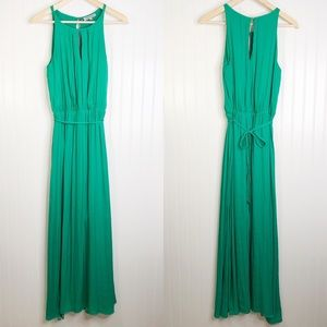 Jennifer Lopez maxi green 8